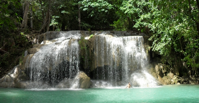 Kanchanaburi-Erawan-Waterfall
