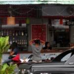 Thai Bar Girls – Food, Phones and Thumbs