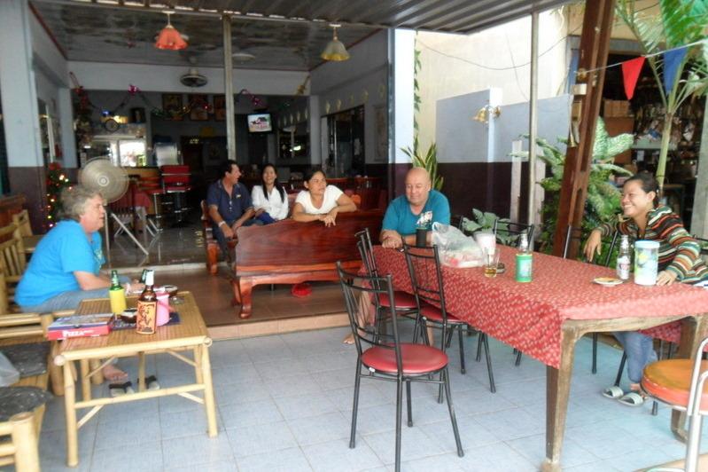 igloo-bar-ban-dung