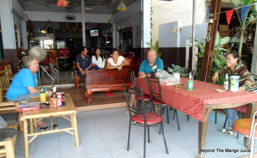 igloo's-bar-ban-dung