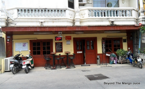nickys-bar-restaurant-soi-buakhao-pattaya