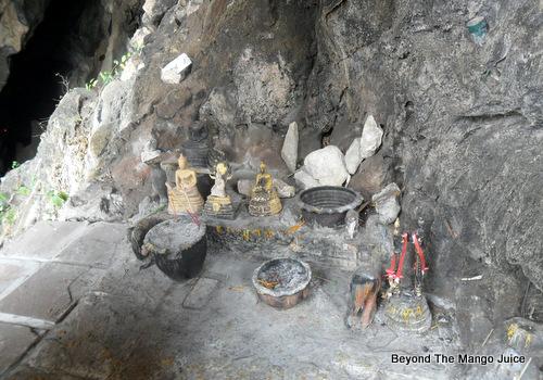 artifacts-erawan-cave-nong-bua-lamphu