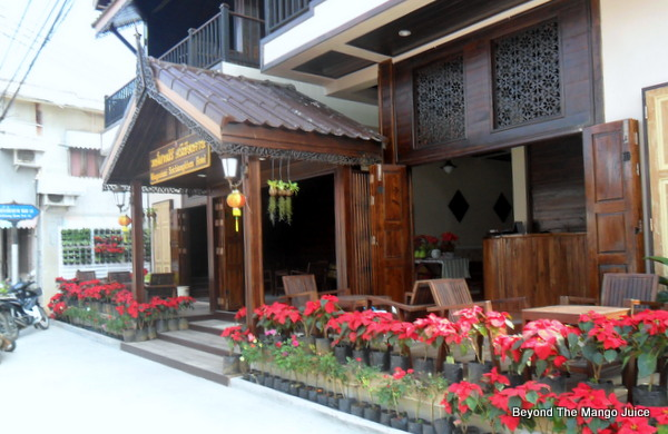 teak-wood-hotel-chiang-khan-loei