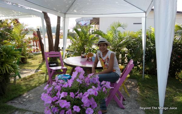love-loei-coffee-shop-garden