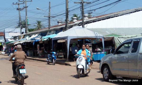 sang-khom-market